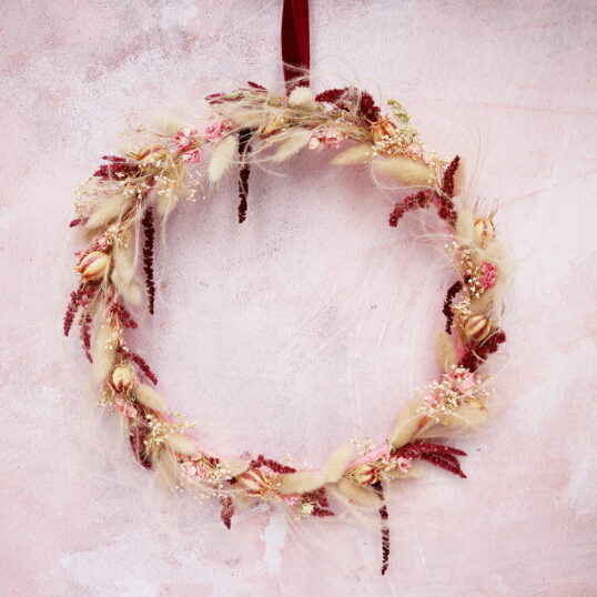 Leto Pink Dried Flower Wreath